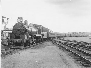 Sunshine Express at Mayne 1935